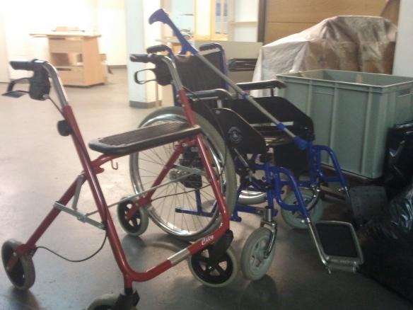 Rollstuhl + Rollator für das PH Tabea